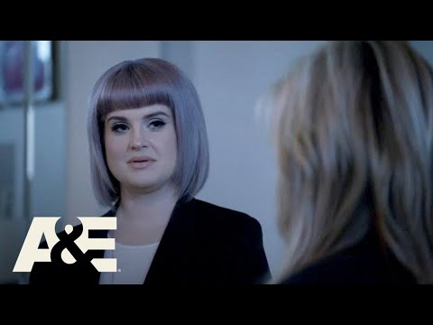 Kelly Osbourne Discovers her Psychic Abilities   Celebrity Ghost Stories (Season 1)   A&E