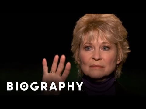 Celebrity Ghost Stories: Dee Wallace – Reflection | Biography