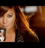 Kelly Clarkson – Stronger (What Doesn't Kill You) [Official Video]