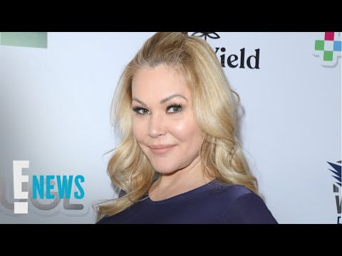 Shanna Moakler Removes Travis Barker's Tattooed Name From Wrist | E! News